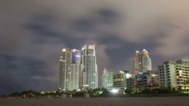Timelapse of miami beach at night city buildings — Stock Video