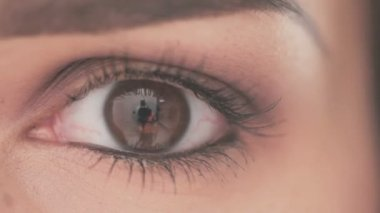 Eye of Young Woman With Natural Makeup — Stock Video