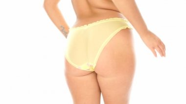 Closeup of sexy woman's behind in yellow panties — Vidéo
