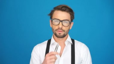 Handsome guy wearing glasses — Stock Video