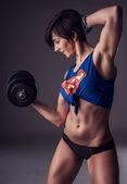 美しいフィットの強い女性 — ストック写真