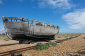 Abandoned fishing boat at Dungeness. — Foto de Stock