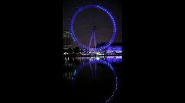 London eye thames yansıyan — Stok video