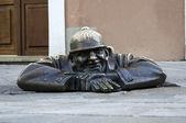 Cumil, Bratislava statue. — Stock Photo