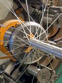 Linea di produzione di intrecciatura machine.flexible tubo metallo. — Foto Stock