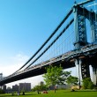 Manhattan bridge. uitzicht vanaf brooklyn. New york city. Verenigde Staten van Amerika — Stockfoto #26427977