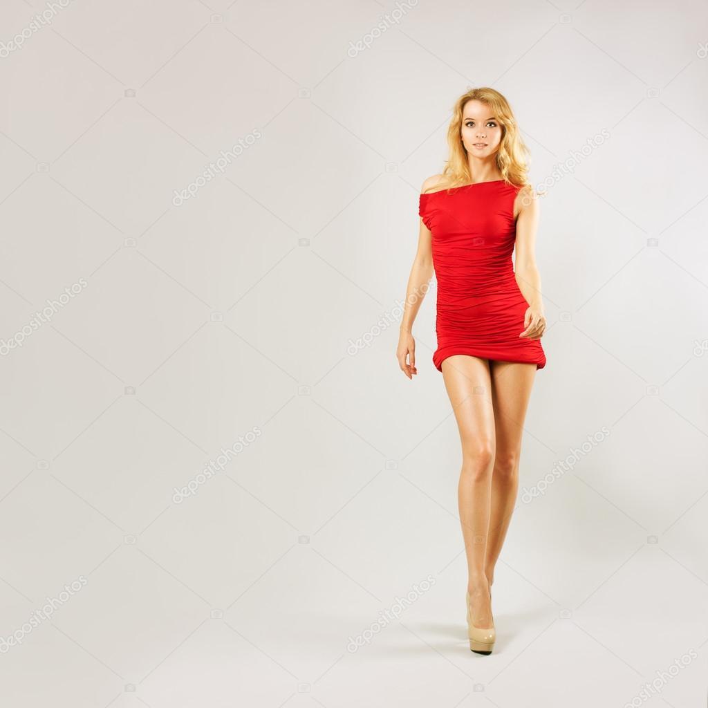 Сняла красное платье 16 фотография