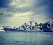 "Guided Missile Frigate ""Ladnyy"" in Sevastopol Bay — 图库照片"