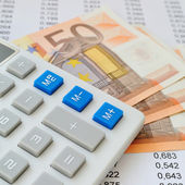 Pay taxes in crisis time — Stock Photo