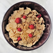 Cornflakes with strawberry — Stock Photo