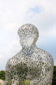 KIEV, UKRAINE - JUN 04: sculpture Body of Knowledge from Jaume Plensa on June 04, 2012 in Kiev, Ukraine — Stockfoto
