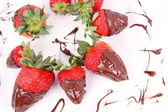 Fresas cubiertas chocolate — Foto de Stock
