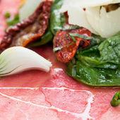 新鲜生牛肉 — 图库照片