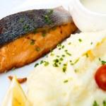 Grilled Salmon — Stock Photo #16403449