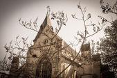 Antik kyrklig byggnad — Stockfoto