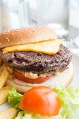 Hamburger au fromage — Photo