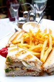 сэндвич с курицей — Стоковое фото