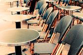 Пустые кофе терраса в Париже — Стоковое фото