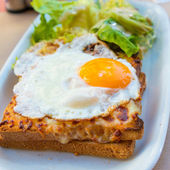 Traditional French Toasted Sandwich — Stock Photo