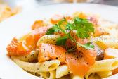 Välsmakande pasta lax — Stockfoto