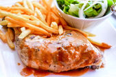 Delicioso pollo — Foto de Stock