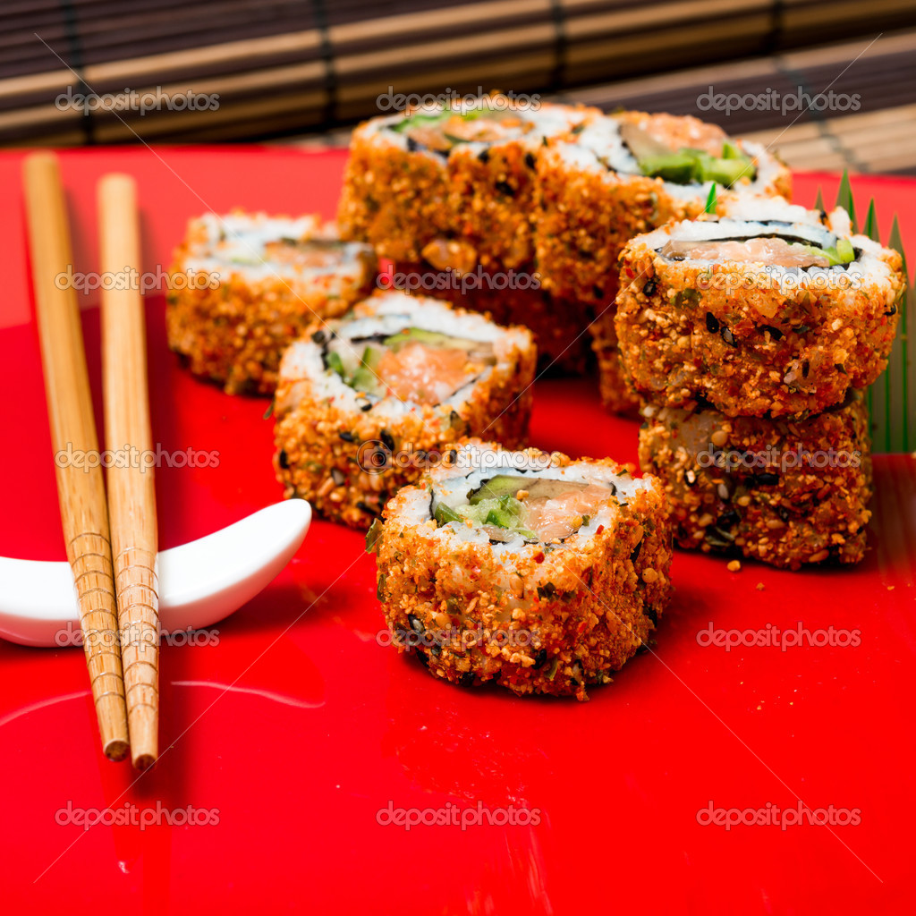 Comida japonesa tradicional de sushi fresco fotografias for Mesa japonesa tradicional