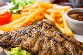 多汁的牛排牛肉肉类 — 图库照片