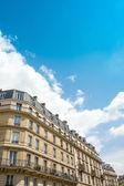旧式な都市のパリの建物 — ストック写真