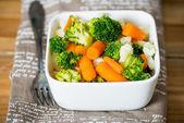 Tigelas de legumes de variedade — Foto Stock