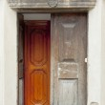 Tyniec - Benedictine monastery. Wooden door. — Stock Photo #13672034