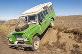 4 x 4 辆车-在冰岛的旅行. — 图库照片
