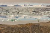 Vatnajokull gletsjer en jokulsarlon lagune - ijsland. — Stockfoto