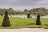 Park next to Royal hunting castle  in Fontainebleau, France. — Stock Photo