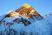 Evening view of Everest from Kala Patthar - trek to Everest base camp - Nepal — Stock Photo