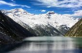 Beautiful view of mount Olperer above Schlegeisspeicher lake - Zillertal Alps - Austria — Stock Photo