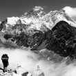 View of Everest from Gokyo with tourist on the way to Everest - Nepal — Stock Photo #22755267