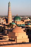Evening view of Khiva (Chiva, Heva, Xiva, Chiwa, Khiveh) - Xorazm Province - Uzbekistan - Town on the silk road — Stockfoto