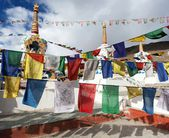 Prayer flags with stupas - Kunzum La pass - Himachal Pradesh - India — Stock Photo