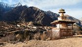 Ringmogaon - Phoksundo trek - Lower Dolpo - Village in western Nepal — Stock Photo