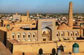 Evening view of Khiva (Chiva, Heva, Xiva, Chiwa, Khiveh) - Xorazm Province - Uzbekistan - Town on the silk road — Stock Photo