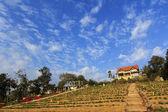 农村农场欧洲风格房子在山在泰国拜县 maehongson — 图库照片