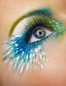 Auge makro erschossen mit kreativen make-up — Stockfoto