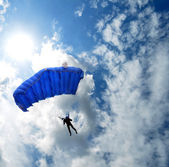 Skydiver in the sky — Photo