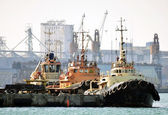 Old tug boats in port — Stock Photo