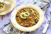 Solanka (zupa) ryb z kaparami i oliwkami — Zdjęcie stockowe