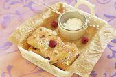 Raspberry cake with pistachio — Stock Photo