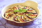 Baked vegetables with garlic and herbs — Stock Photo
