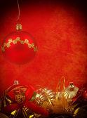 Fondo rojo grunge navidad bolas — Foto de Stock