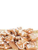 Kerstmis gingerbreads op witte achtergrond — Stockfoto