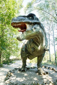 Model van grote tyranosaurus rex jungle — Stockfoto